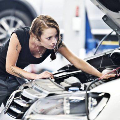 Bilmekaniker Volkswagen